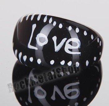 pierścień LOVE czarny